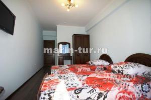 """Гостиница """"Аквамарин"""" находится в центре поселка Лазаревское г. Сочи"""